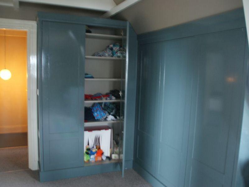Kinderkamer Kledingkast : Kinderkamer kledingkast